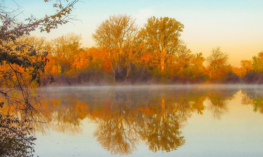 pratts-wayne-woods-lake-fall-colors-reflection.jpg