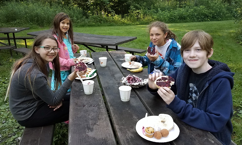 kids-eat-breakfawst-great-american-campout