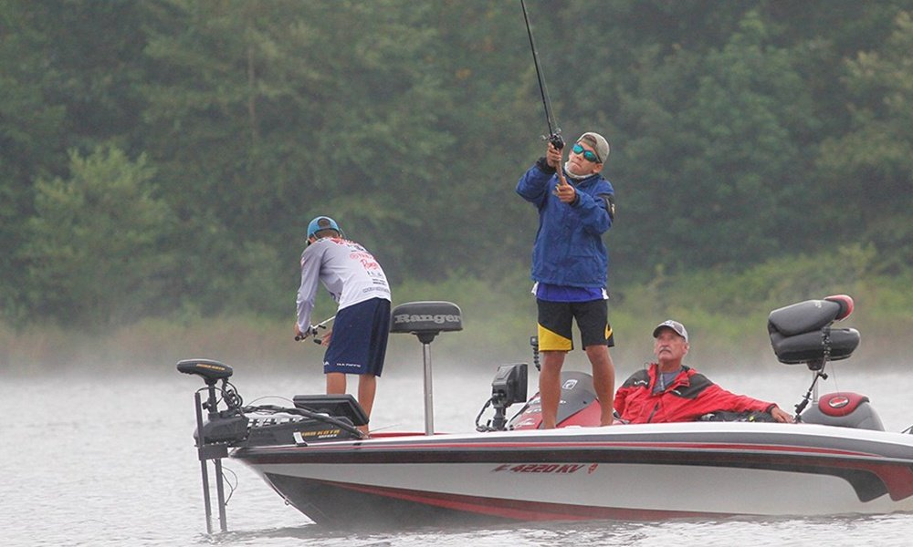 Carter-fishing-at-nationals-Ronnie-Moore