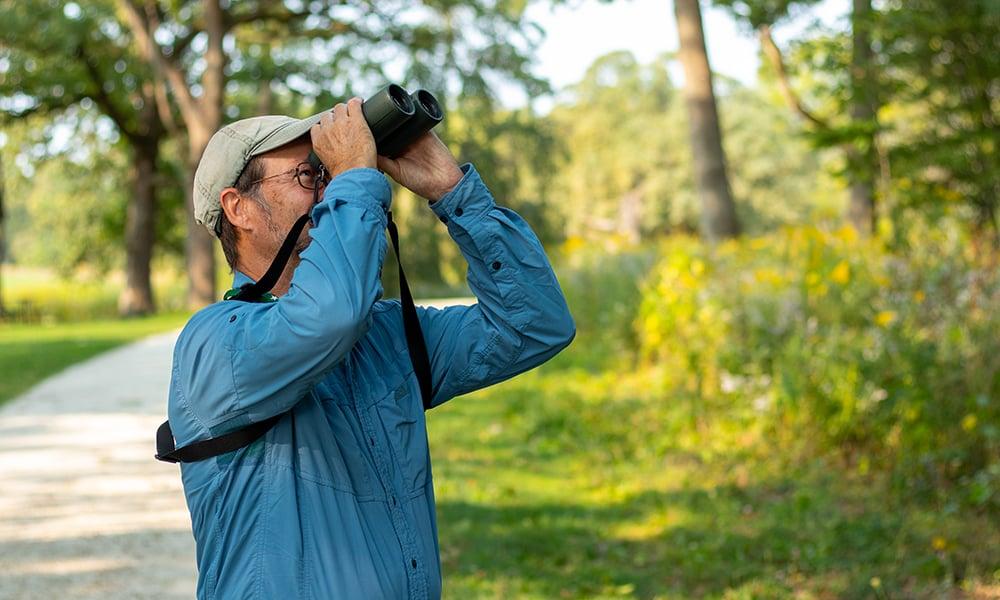 Denis-Kania-binoculars-1000x600