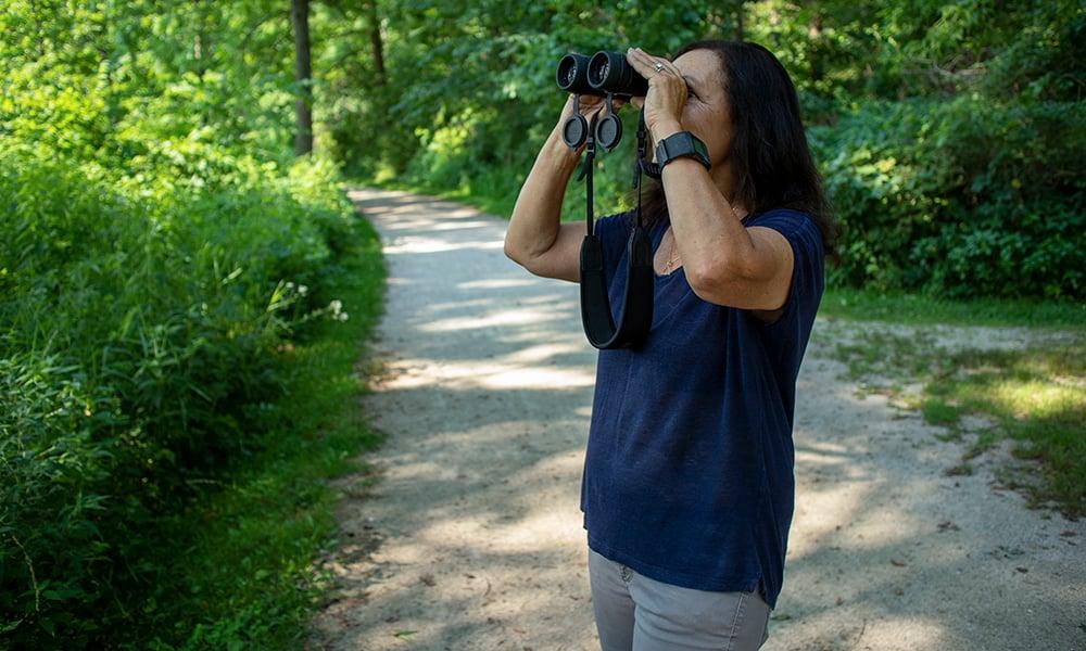 anna-testone-binoculars