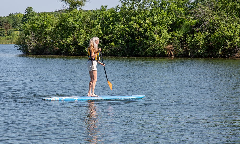 connie-paddleboard
