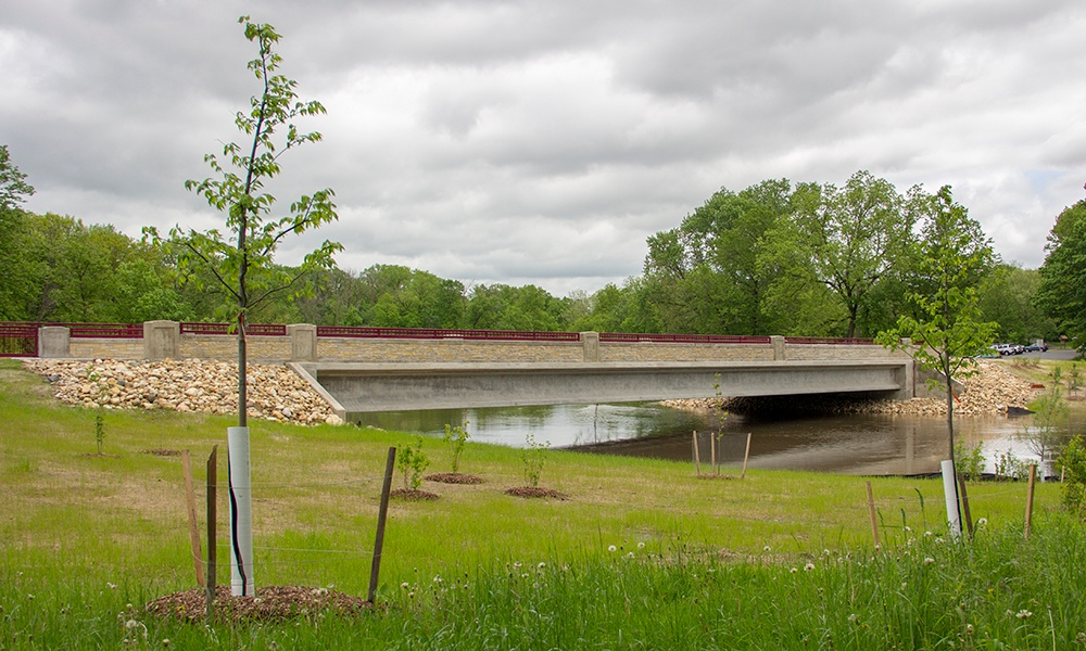 mcdowell-grove-bridge-side